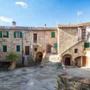 Viaggi di Kendra Maria Maddalena a Monticiano Siena
