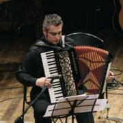 Lorenzo Laricchia tastierista e fisarmonicista